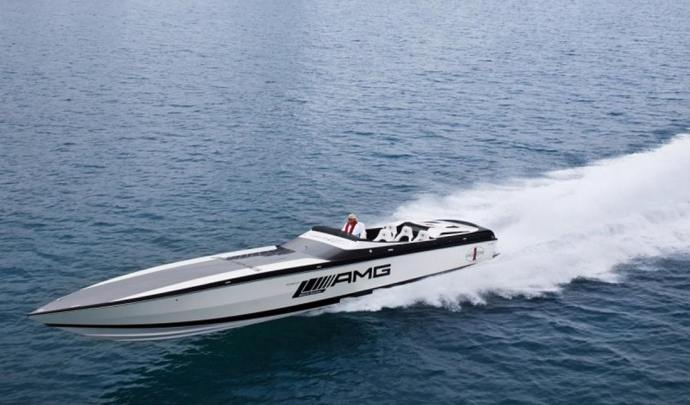 -AMG-produce-the-worlds-fastest-electric-boat-1