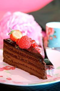 sacher-and-raspberry-cake-recipe-from-eric-lanlard-200