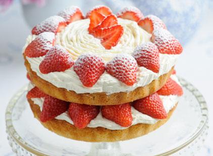 Sweet-Eve-strawberry-Victoria-Sponge-h-60af5620-059c-4d2f-a5ce-528a7801a1fa-0-422x310