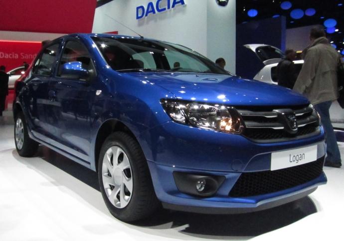 Dacia_Logan_II_front_quarter